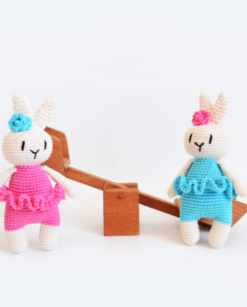 Ръчно плетено зайче - балерина