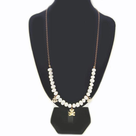 Колие от естествени перли и метални елементи