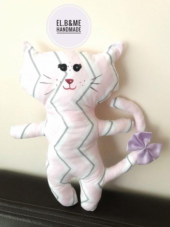 """Играчка """"Коте"""" в нежни цветове с панделка на опашката"""