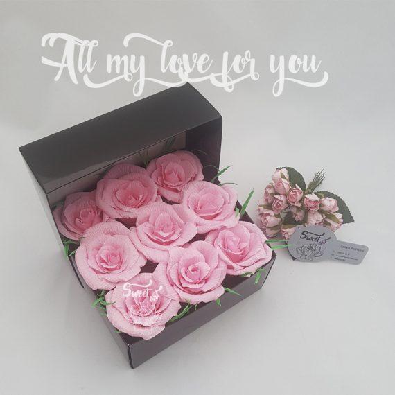 Прекрасна кутия с цветя и бонбони All My Love For You