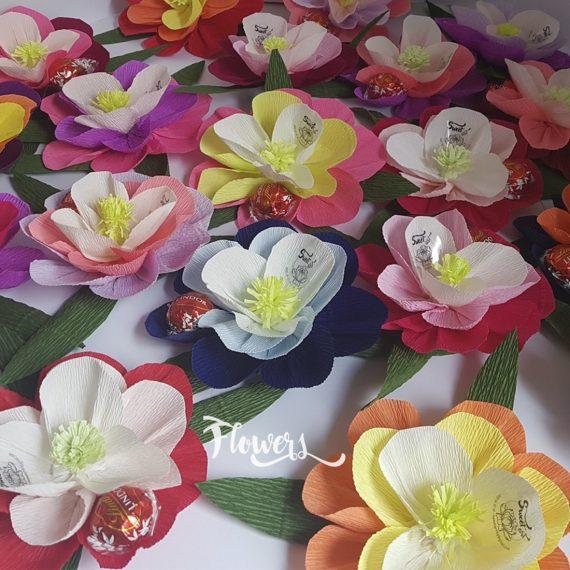 Нежни и оригинални цветя в различни гами Flowers