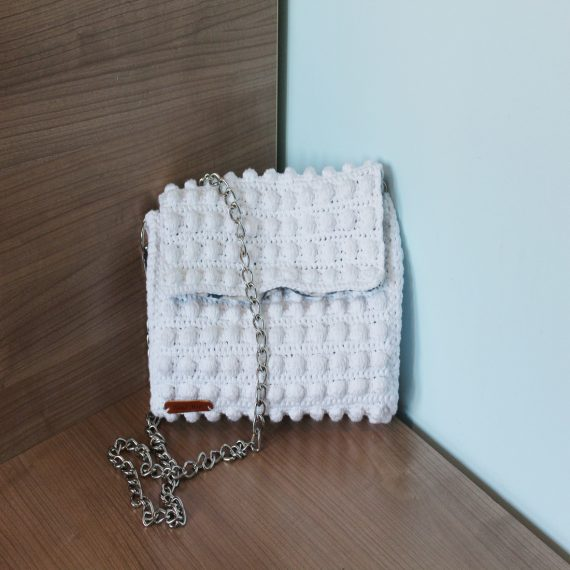 Бяла плетена чанта от памучна прежда