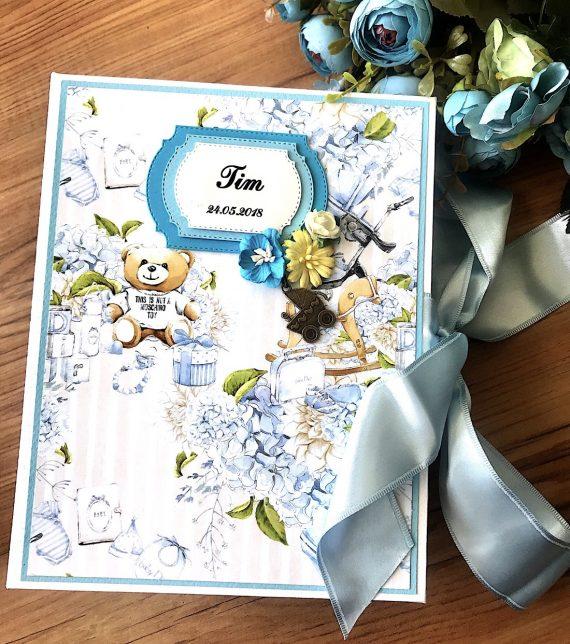 Страхотен албум дневник за новородено със свежи цветове