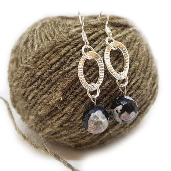 Красиви обеци с естествени камъни ахат и сребърни елементи