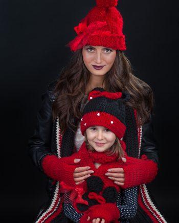 Ръчно изработен Аз и Мама комплект Темпераментните в черно и червено