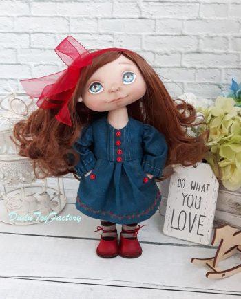 Красива кукла за гушкане Роксана