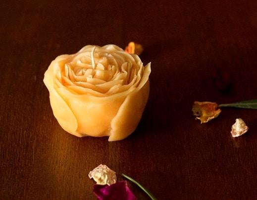 Свещ Роза М1