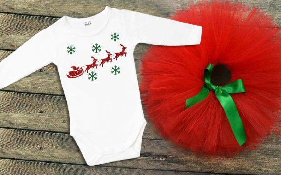 Коледен туту комплект с боди в бяло, червено и зелена панделка / различни картинки