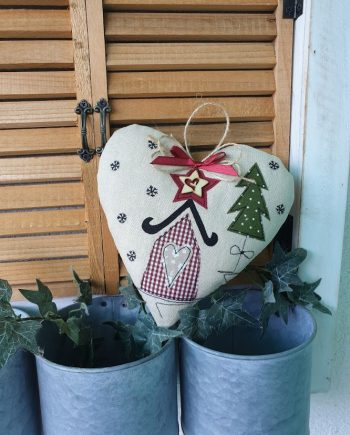"""Висящ орнамент """"Коледно сърце 2"""""""