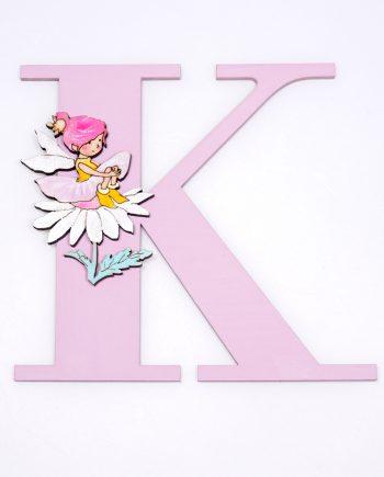 Дървена буква за стена в светло розов цвят с фея