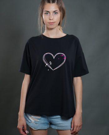 """Тениска """"Сърце"""" в черен цвят"""