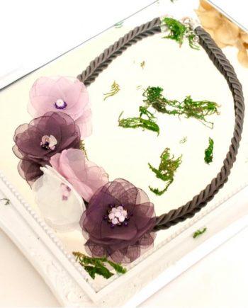 Ефирно колие от текстилни цветя с памучна връв