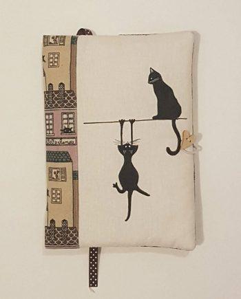 """Рисувана подвързия за книга """"Висящата котка"""""""