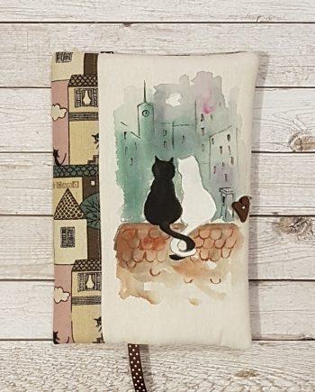 """Рисувана подвързия за книга """"Влюбени котки на покрива"""""""