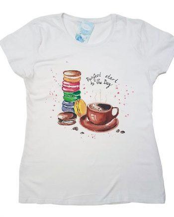 """Рисувана тениска """"Кафе с френски макарони"""""""