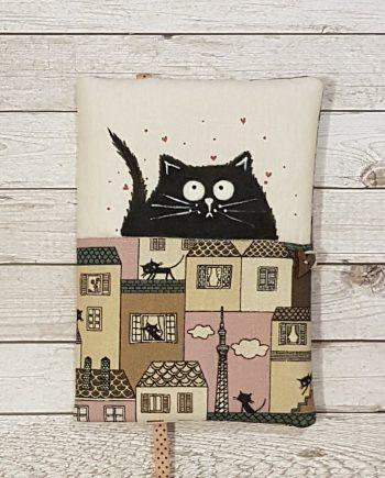 """Рисувана подвързия за книга """"Влюбената котка"""""""