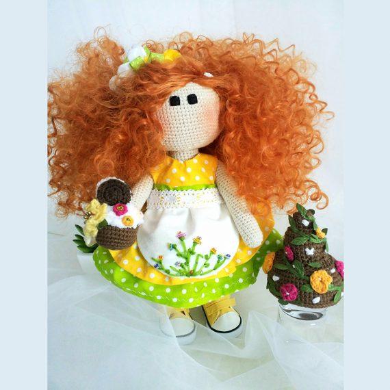 """Плетена играчка кукла """"Емма"""""""