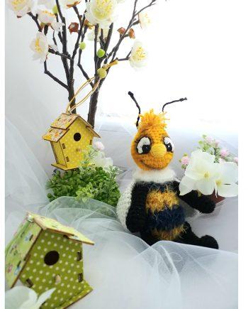 """Играчка """"Хари"""" - момче пчеличка"""