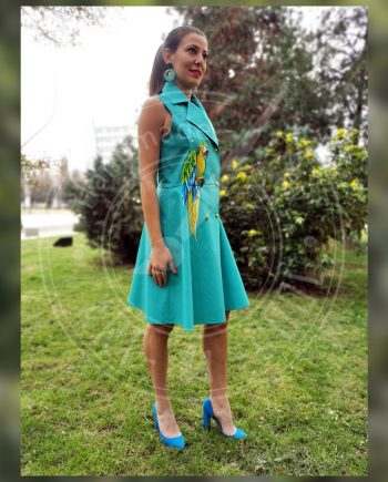 Стилна лятна рокля с рисуван папагал